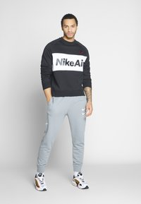 Nike Sportswear - AIR - Sweatshirt - black/white/university red - 1