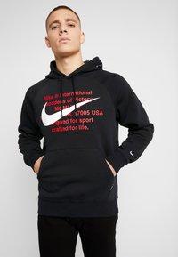 Nike Sportswear - HOODIE - Bluza z kapturem - black/white - 0