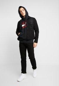 Nike Sportswear - HOODIE - Bluza z kapturem - black/white - 1