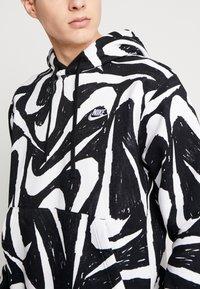 Nike Sportswear - CLUB HOODIE - Bluza z kapturem - black - 5