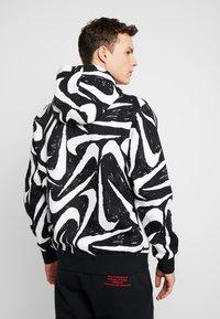 Nike Sportswear - CLUB HOODIE - Bluza z kapturem - black - 2