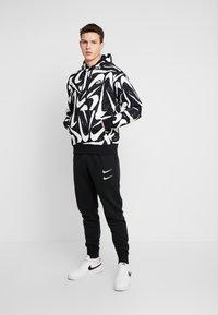 Nike Sportswear - CLUB HOODIE - Bluza z kapturem - black - 1