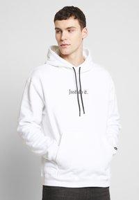 Nike Sportswear - HOODIE - Hoodie - white/black - 0
