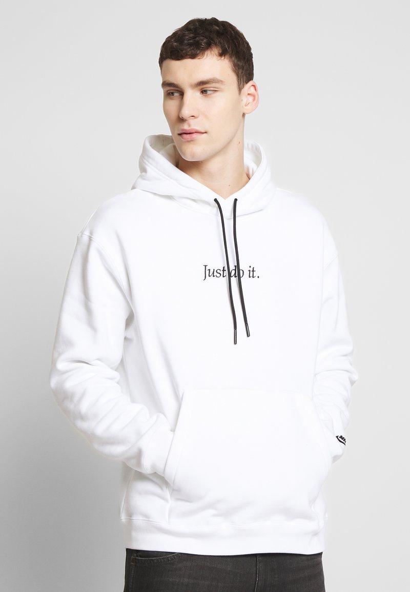 Nike Sportswear - HOODIE - Hoodie - white/black