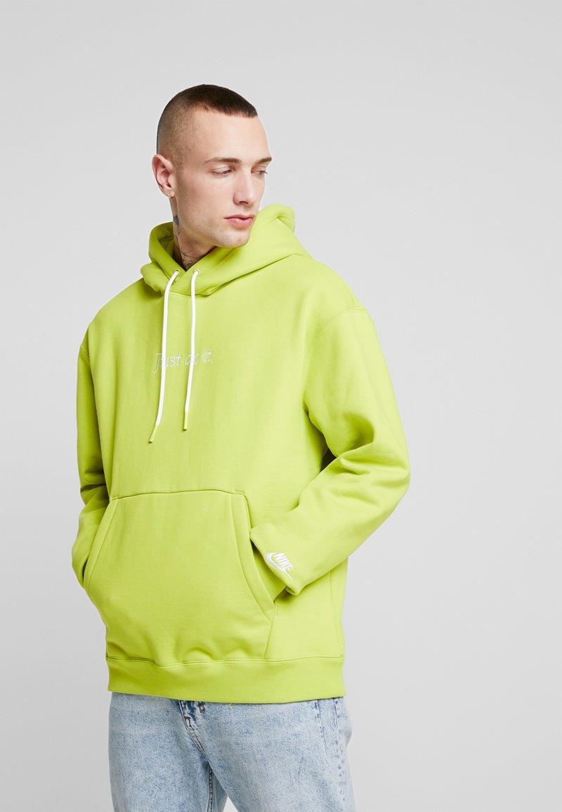 Nike Sportswear - HOODIE - Hoodie - bright cactus/white