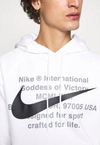 Nike Sportswear - HOODIE - Sweat à capuche - white/black - 6
