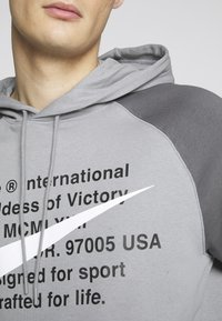 Nike Sportswear - HOODIE - Sweat à capuche - particle grey/iron grey/white - 5