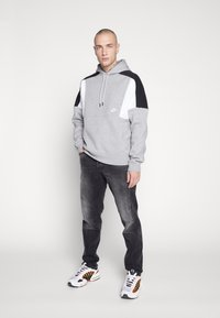Nike Sportswear - HOODIE - Hættetrøjer - grey heather/white/black - 1