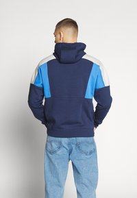Nike Sportswear - HOODIE - Bluza z kapturem - midnight navy/pacific blue/light bone white - 2