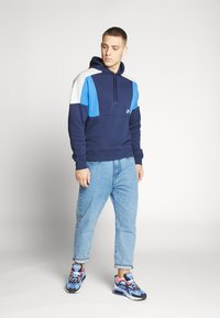 Nike Sportswear - HOODIE - Bluza z kapturem - midnight navy/pacific blue/light bone white - 1