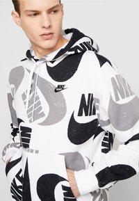 Nike Sportswear - CLUB HOODIE - Bluza z kapturem - black/white - 4