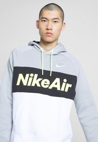 Nike Sportswear - AIR HOODIE - Hoodie - smoke grey/black/white - 4