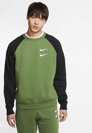 Sweater - green/black/white