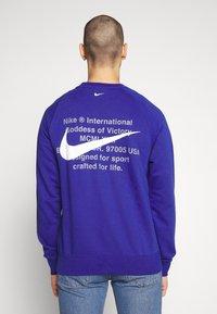 Nike Sportswear - M NSW RW FT - Sweatshirt - deep royal blue - 2