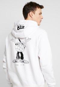 Nike Sportswear - Hoodie - white - 5