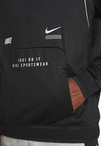 Nike Sportswear - HOODIE - Bluzka z długim rękawem - black - 4
