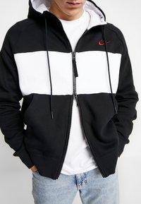Nike Sportswear - HOODIE  - Zip-up hoodie - black/white/red - 3