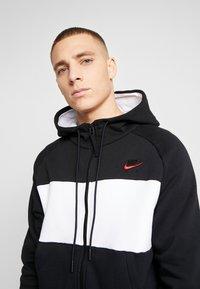 Nike Sportswear - HOODIE  - Zip-up hoodie - black/white/red - 6
