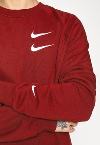 Nike Sportswear - Collegepaita - team red - 4
