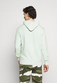 Nike Sportswear - HOODIE WASH - Mikina skapucí - pistachio frost - 2