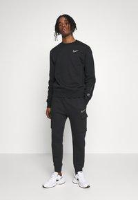 Nike Sportswear - CREW - Sweater - black - 1