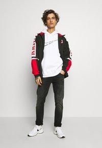 Nike Sportswear - HOODIE  - Jersey con capucha - white - 1