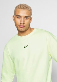 Nike Sportswear - Sweater - luminous green - 4