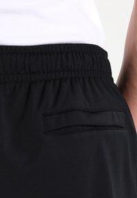 Nike Sportswear - BASIC - Tepláková souprava - black/white - 8