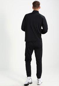 Nike Sportswear - BASIC - Tepláková souprava - black/white - 5