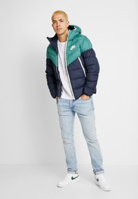 Nike Sportswear - Dunjakke - bicoastal/obsidian/sail - 1