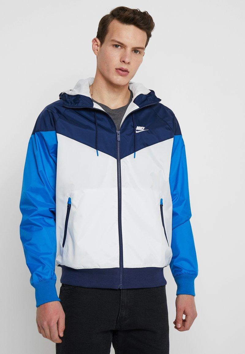 Nike Sportswear - Leichte Jacke - summit white/midnight navy/battle blue