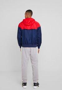 Nike Sportswear - Korte jassen - midnight navy/university red/white - 2