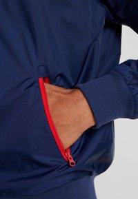 Nike Sportswear - Korte jassen - midnight navy/university red/white - 5