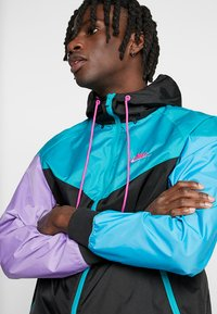 Nike Sportswear - Korte jassen - black/spirit teal/space purple/active fuchsia - 3