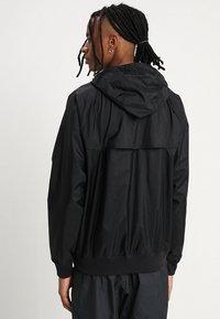 Nike Sportswear - Wiatrówka - black - 2