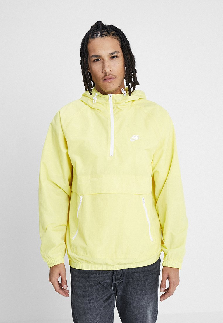 Nike Sportswear - Wiatrówka - yellow pulse/white
