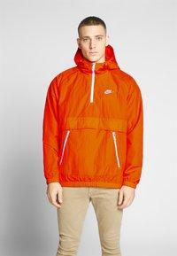 Nike Sportswear - Wiatrówka - magma orange/white - 0