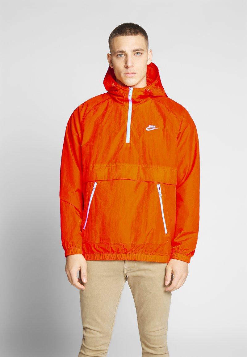 Nike Sportswear - Wiatrówka - magma orange/white