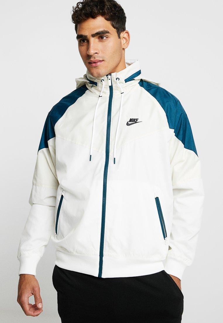 Nike Sportswear - Windbreaker - light cream/nightshade