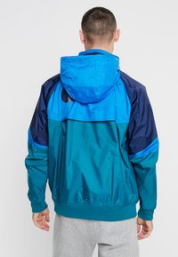 Nike Sportswear - Summer jacket - geode teal/battle blue/midnight navy - 3