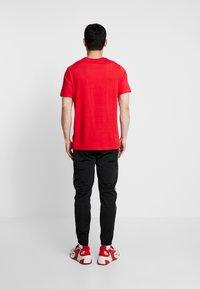 Nike Sportswear - SUIT BASIC - Survêtement - black/white - 4