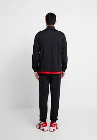 Nike Sportswear - SUIT BASIC - Survêtement - black/white - 2