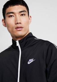 Nike Sportswear - SUIT BASIC - Survêtement - black/white - 5
