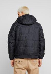Nike Sportswear - Chaqueta de entretiempo - black/black/black - 2