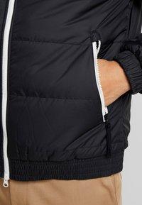 Nike Sportswear - Chaqueta de entretiempo - black/black/black - 5