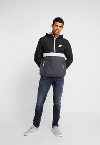 Nike Sportswear - Veste mi-saison - black/anthracite/wolf grey - 1