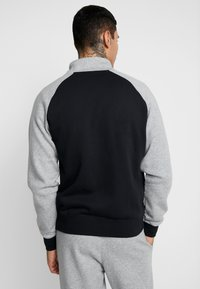 Nike Sportswear - SET - Survêtement - dark grey heather/black/white - 2