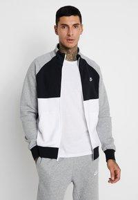 Nike Sportswear - SET - Survêtement - dark grey heather/black/white - 0