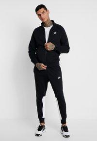 Nike Sportswear - SUIT - Trainingsanzug - black/white - 1