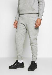 Nike Sportswear - TRACK SUIT - Träningsset - dark grey heather - 3